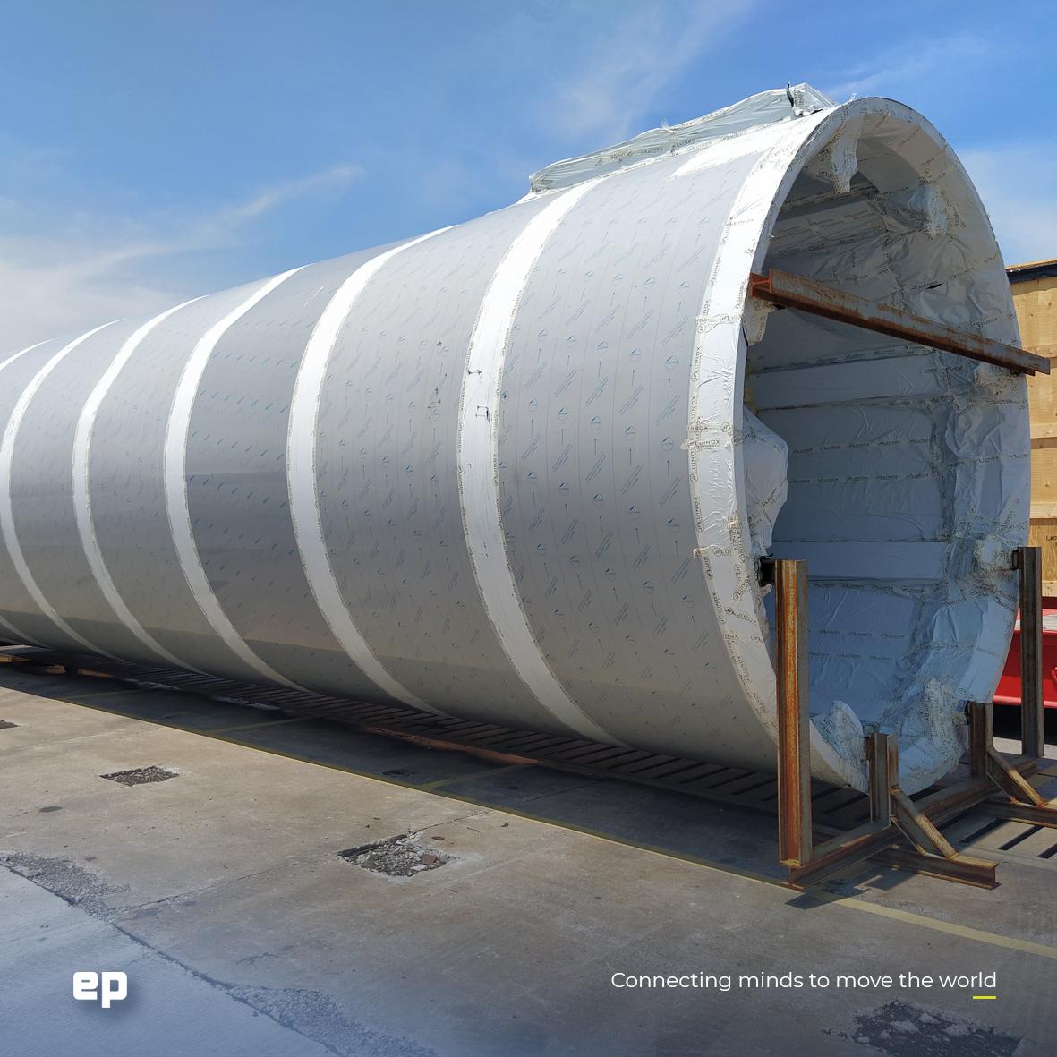 Una de las fotos de la llegada del primer silo a México